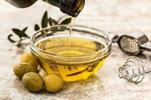加熱調理時 には オリーブオイル 油の種類を選ぶ際に迷わない
