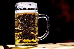 おつまみにはこだわる ビール