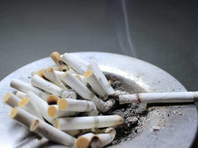 酒、たばこ_、浮気