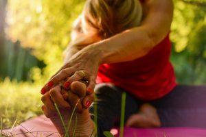 関節を伸ばすことで血流改善